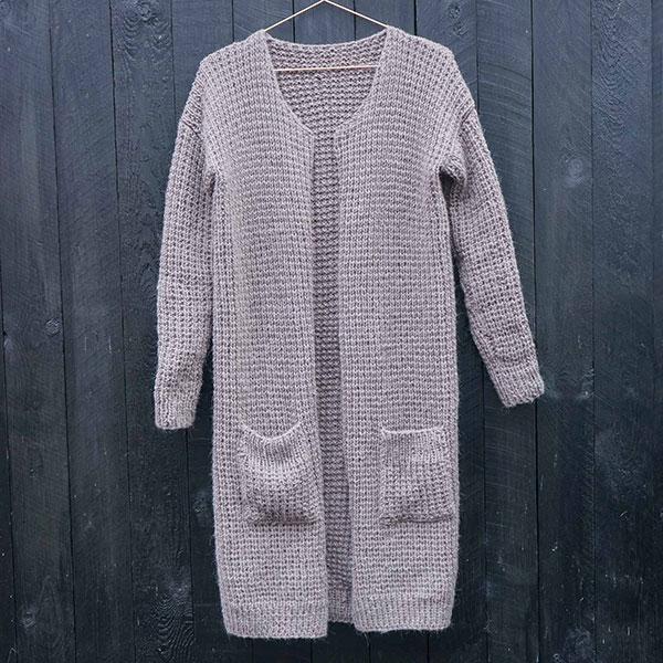 The Basic cardigan - strikkeopskrift - Knit Wit Company