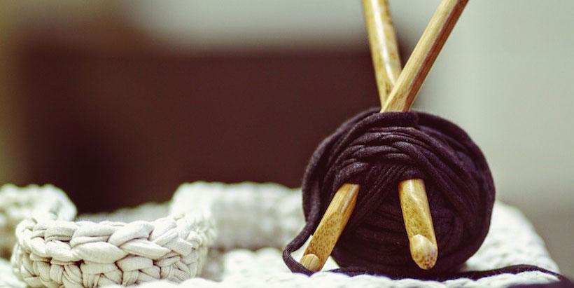 Strik for begyndere, øvede og alle niveauer imellem. Betalte og gratis strikkeopskrifter, blog, inspiration til strik - og lær at strikke!