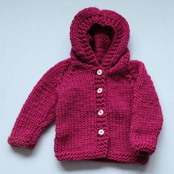 Baby chunky cardigan - strikkeopskrift - Knit Wit Company